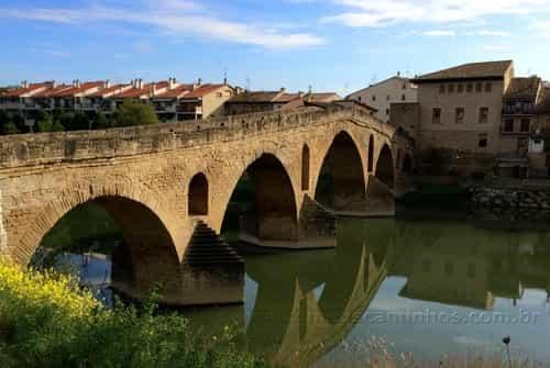 Ponte que deu nome à Puente de la Reina, Navarra