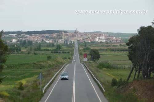 Vista de Viana a partir da passarela sobre a rodovia, entre Viana e Logroño.