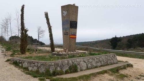 Monumento em homenagem aos mortos na guerra civil espanhola