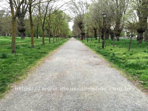 Parque na saída de Burgos